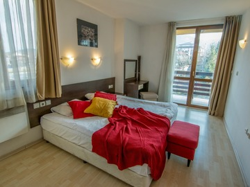 Monthly Apartment Rentals: Banderitsa Apartment